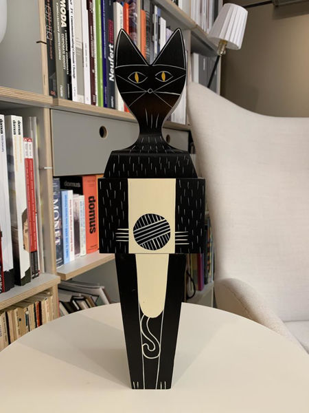 wooden_doll_cat_large__vitra